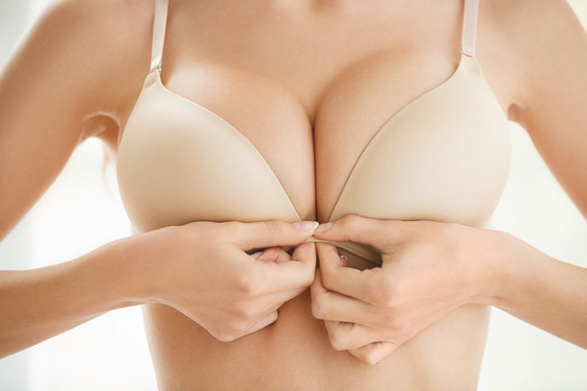 10 Things Every Woman with Big Breasts Should Own